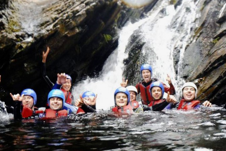 canyoning-group-header